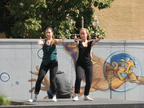 dancers-in-the-park-013