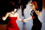 Vanessa Blaylock & Bibbe Hansen dancing in the fountain at Trafalgar Square, London